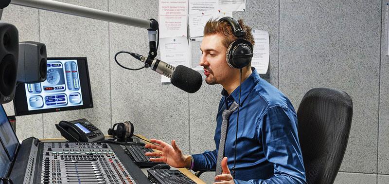 Работа на радио - дикторы прямого эфира