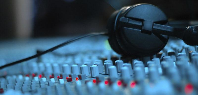 База дикторов  онлайн - высокое качество записи!